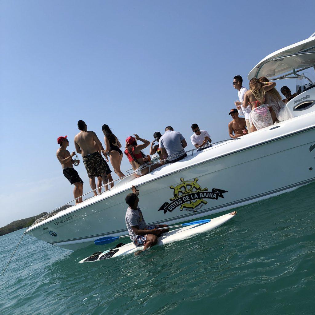Fizemos um passeio de um dia inteiro pelas Islas del Rosario, o Caribe de Cartagena, com muito sol em praias paradisíacas.